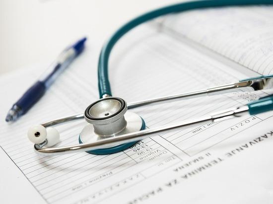 Эксперты оценили идею Минздрава штрафовать врачей: «Лучше лишать лицензии»