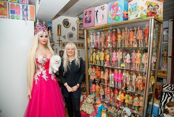Русская Барби восхищена невероятной коллекцией мировой рекордсменки Беттины Дорфманн