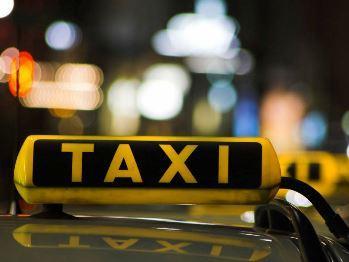 Банан и два кокоса – решите ребус: такси в Шарыпово заигрывает с клиентами