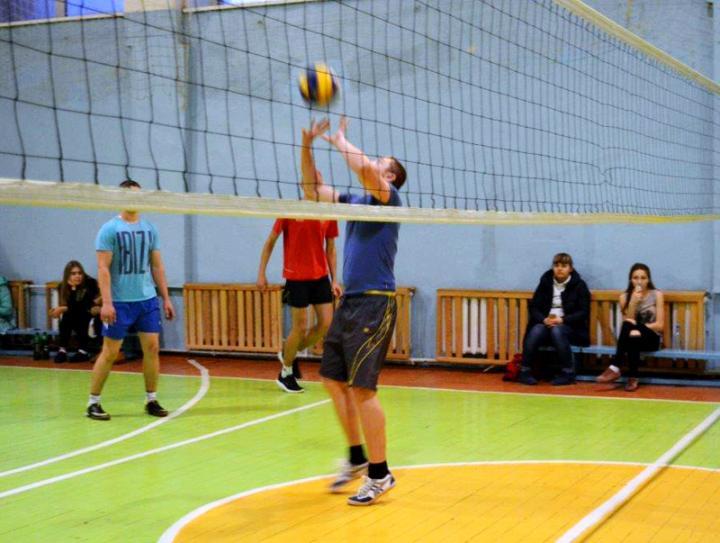 Команда Рубцовского института (филиала) АлтГУ - лидер Кубка Главы Администрации города Рубцовска по волейболу
