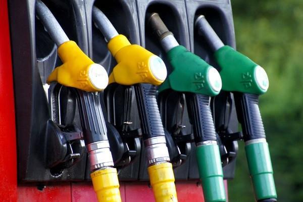 Производители бензина за месяц подняли цены на 17,5%