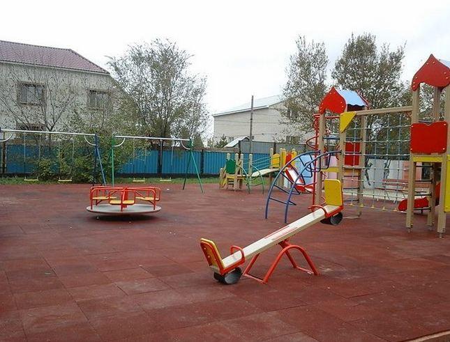 «Skiff company Ltd.» установил детскую площадку для Некоммерческой организации Частный Благотворительный Фонд «Саби»