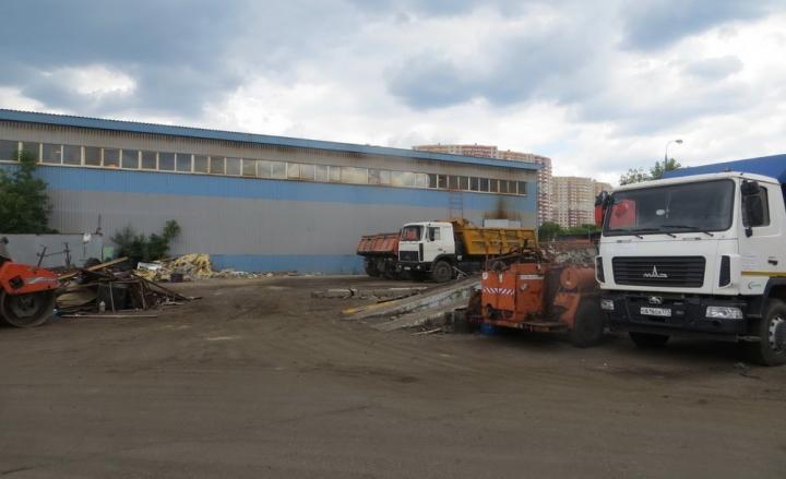 Незаконно построенный склад снесли на улице Маршала Воробьева