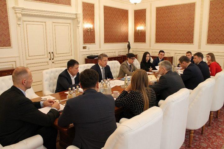 Радий Хабиров провел рабочую встречу с министром транспорта России