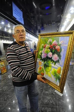 На ЧМК открыли выставку художника Богадырова