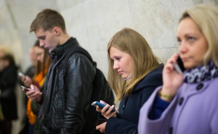 Связь времен: когда в России исчезнут кнопочные мобильные телефоны