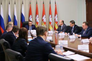 Губернатор Алексей Текслер обсудил вопрос об открытии фармпроизводства в Челябинской области